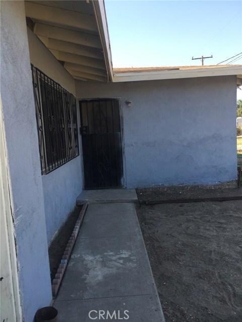 1028 S Foisy Street, San Bernardino CA: http://media.crmls.org/medias/085e4ea5-2df6-442a-839e-1f7ddedbd2f4.jpg