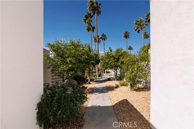 1840 Sandcliff Road, Palm Springs CA: http://media.crmls.org/medias/0866b010-53ab-42c5-85e7-7c35b4a5203d.jpg