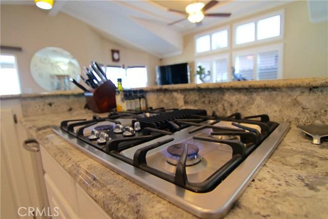 15980 Grand Avenue, Lake Elsinore CA: http://media.crmls.org/medias/086c9d30-e80d-4355-93ef-245ec1670e9b.jpg