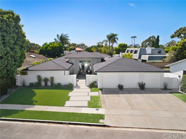 1527 Antigua Way  Newport Beach, CA 92660