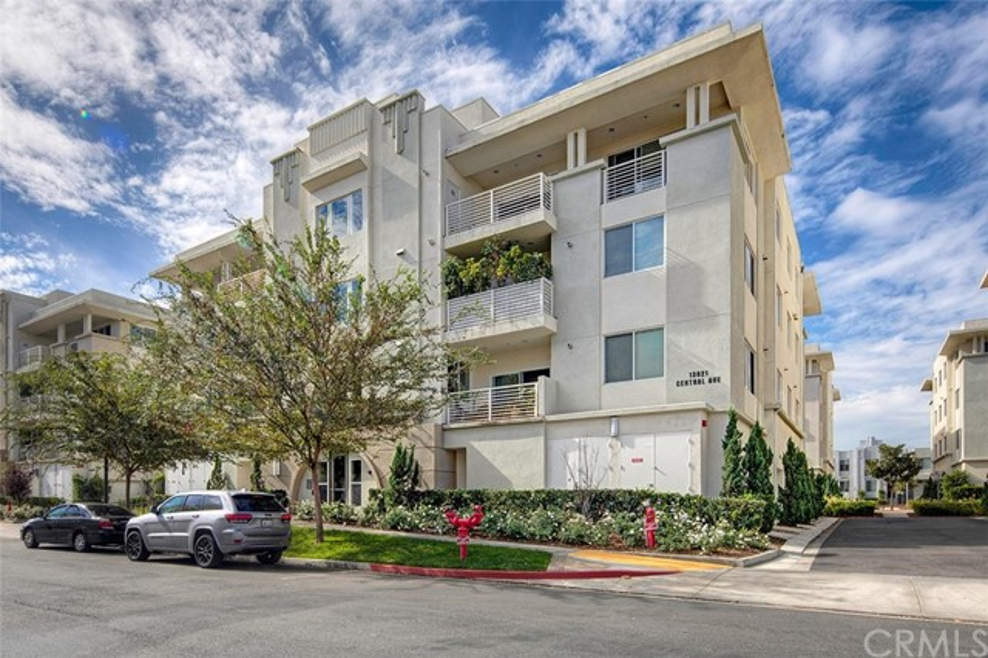 13021 Central Avenue, 403 - Hawthorne, California