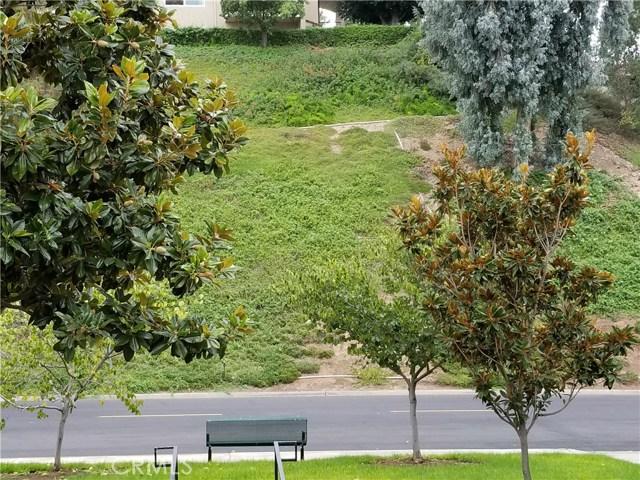 3327 Bahia Blanca E, Laguna Woods CA: http://media.crmls.org/medias/088dfd07-15cf-4044-b8b8-e9bf04973b8b.jpg
