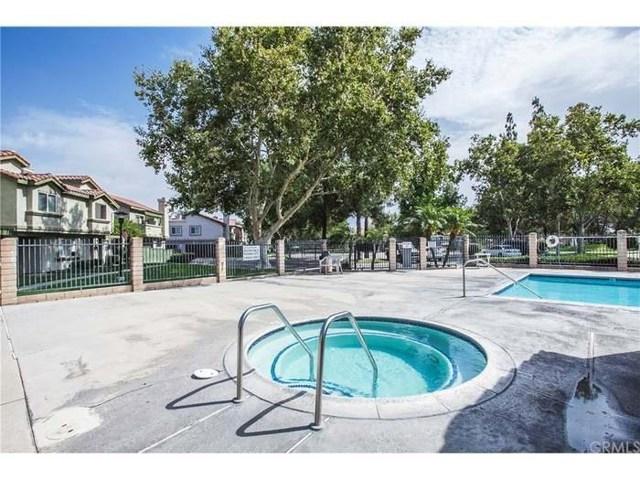 10171 Indian Summer Drive, Rancho Cucamonga CA: http://media.crmls.org/medias/0893d7ff-6ba0-4f8d-9b16-5965dda8bc79.jpg