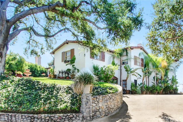 1272 Los Robles Pl, Pomona, CA 91768