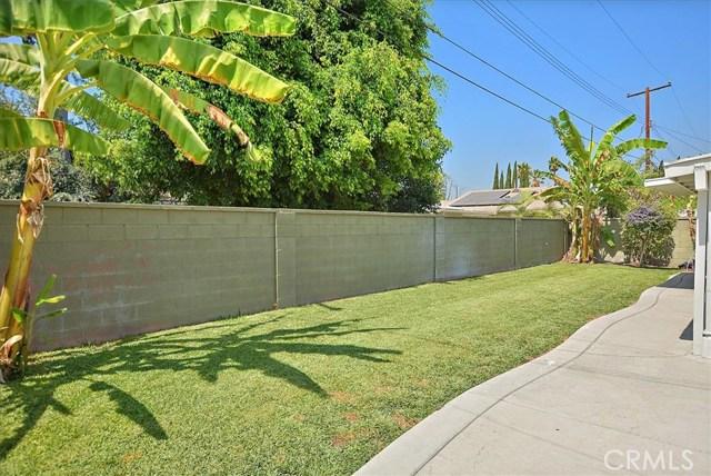 911 N Mohican Avenue, Anaheim CA: http://media.crmls.org/medias/08b828be-1d5c-4ab6-9baf-55664d06c3c3.jpg