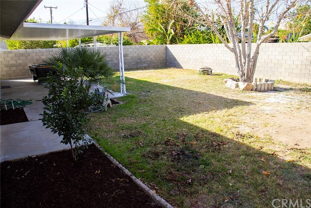 73216 San Nicholas Avenue, Palm Desert CA: http://media.crmls.org/medias/08c33549-1e00-41f3-be70-973d1e0496ec.jpg