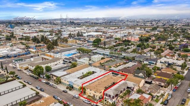 1871 Chestnut Avenue, Long Beach CA: http://media.crmls.org/medias/08c68674-4cd7-4ddb-bf29-e6bc0eb84c1a.jpg