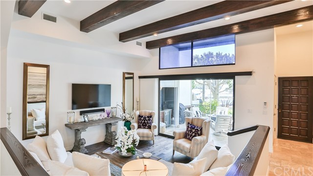 Townhouse for Sale at 5636 Azure Way 5636 Azure Way Long Beach, California 90803 United States