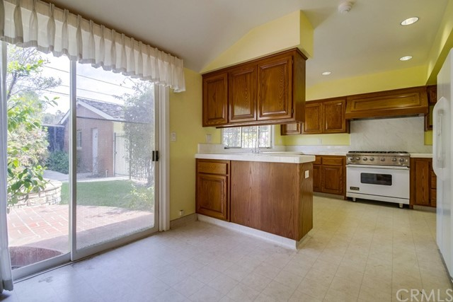 5461 E Las Lomas St, Long Beach, CA 90815 Photo 8