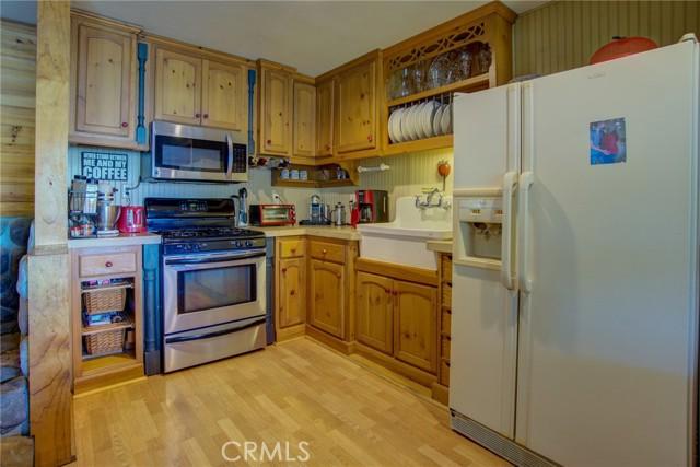 9320 Bass Road, Kelseyville CA: http://media.crmls.org/medias/08ee09be-2bb6-4976-a611-baea353482e5.jpg