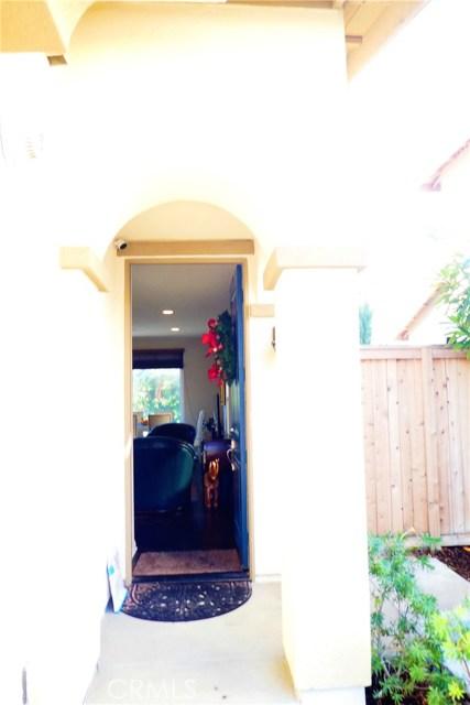 909 S Belterra Wy, Anaheim, CA 92804 Photo 2
