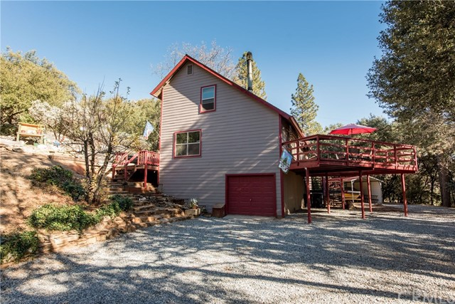 Single Family Home for Sale at 36714 Peterson Road Auberry, California 93602 United States