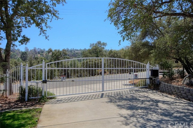 47609 Willow Pond Road Coarsegold, CA 93614 - MLS #: FR18216637