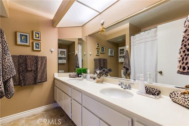 2178 Turnberry Lane, Corona CA: http://media.crmls.org/medias/0909ebab-8799-43f2-b7d8-7831ca5ca799.jpg