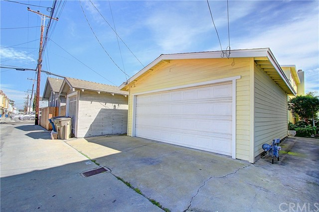 143 6th Street Seal Beach, CA 90740 - MLS #: DW17055770