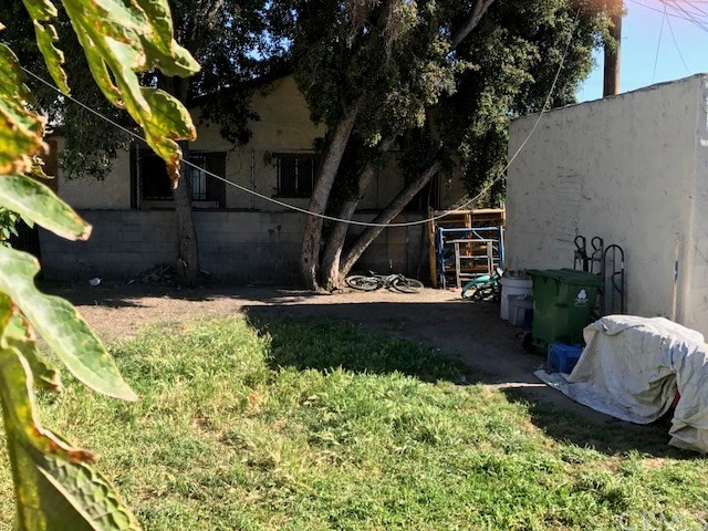 228 W 41st Place Los Angeles, CA 90037 - MLS #: MB17118031