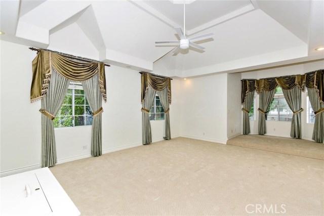 房产卖价 : $225.00万/¥1,548万