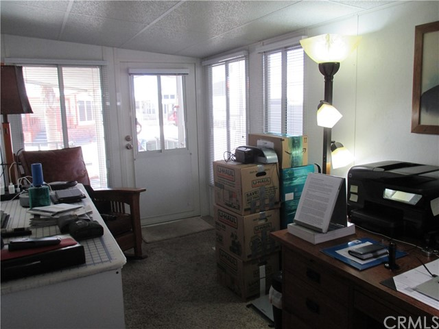 1295 S Cawston Avenue, Hemet CA: http://media.crmls.org/medias/091dca1c-7420-467a-871d-e1a2da01f0bd.jpg
