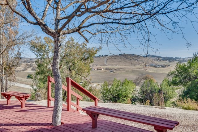 3960 Hord Valley Road, Creston CA: http://media.crmls.org/medias/0922f381-dc2d-47eb-b040-2630bb31c98f.jpg