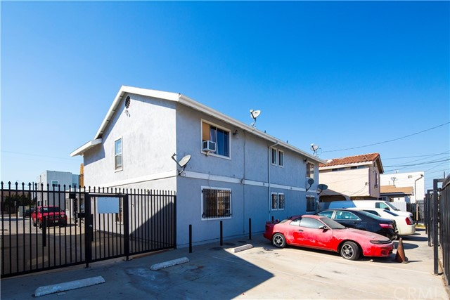 1140 Orange Avenue, Long Beach CA: http://media.crmls.org/medias/09341f00-5923-4b78-92ee-73a308908a6d.jpg