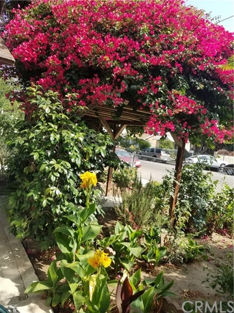 2626 W Avenue 34, Glassell Park CA: http://media.crmls.org/medias/093ad539-847a-448c-8cf2-f9044f4c0416.jpg