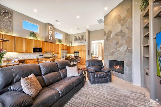 79840 Rancho La Quinta Drive, La Quinta CA: http://media.crmls.org/medias/094129c5-e57b-4d34-ba46-13593efc0a51.jpg