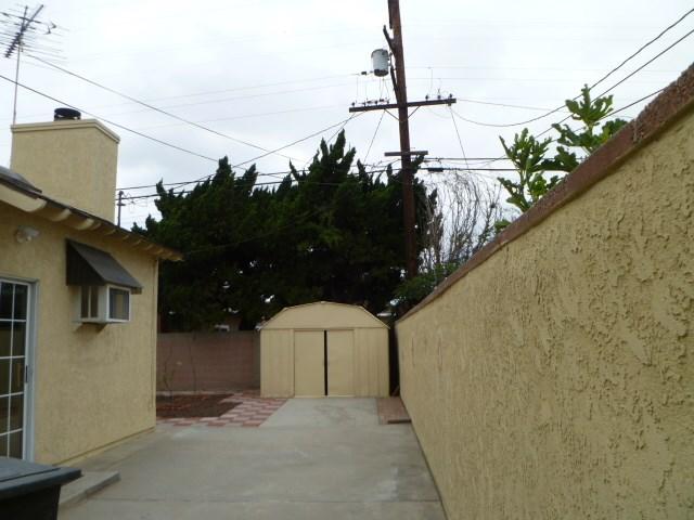 14033 Lefloss Avenue, Norwalk CA: http://media.crmls.org/medias/094156a8-6a66-413c-a4a5-ca85a25e663f.jpg