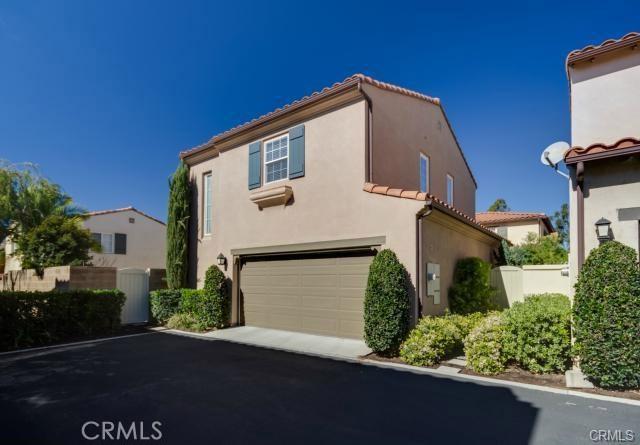 72 Arcata, Irvine, CA 92602 Photo 3