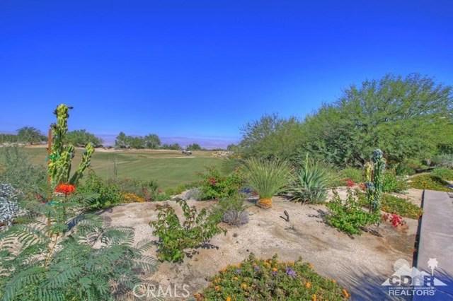 428 Morning Dove, Palm Desert CA: http://media.crmls.org/medias/09471105-dbde-4782-ba73-00cce68e3a6c.jpg