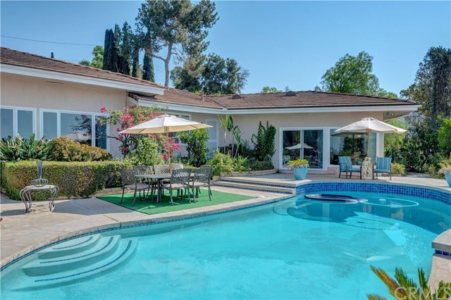 1440 Vista Del Valle Way, La Habra Heights CA: http://media.crmls.org/medias/0948b6a3-863a-4532-bccd-fdcb94386940.jpg