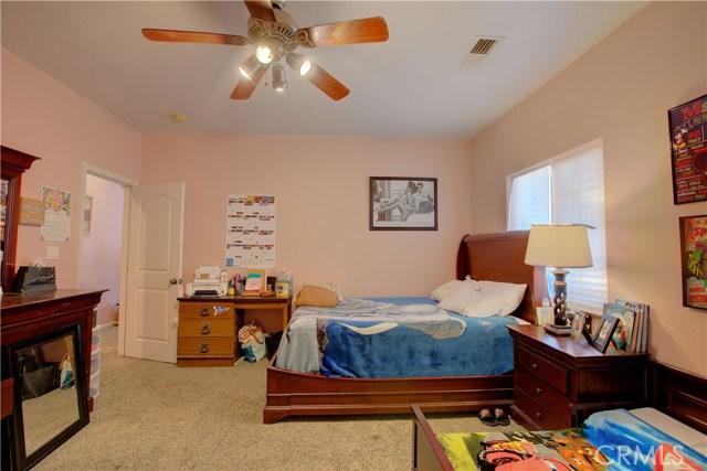 8777 Blossom Avenue, Dos Palos CA: http://media.crmls.org/medias/094c95c7-f814-4de7-b2b6-8b46ee72ac3d.jpg