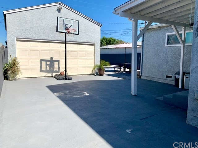 4839 130th Street, Hawthorne, California 90250, 4 Bedrooms Bedrooms, ,2 BathroomsBathrooms,Single family residence,For Sale,130th,IN20046922