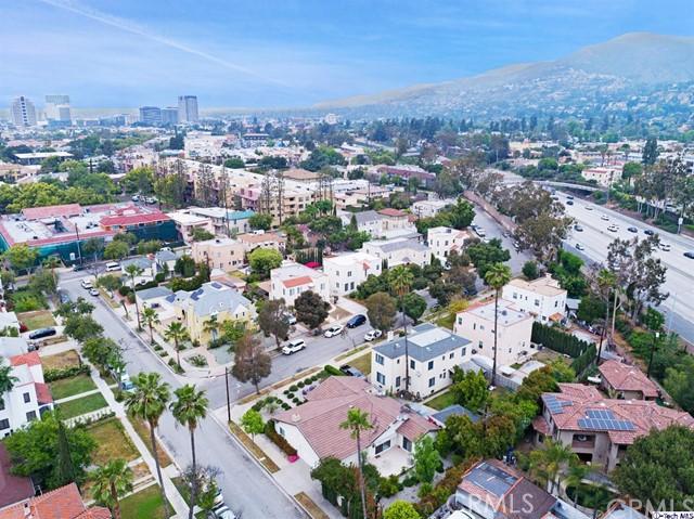 511 Galer Place, Glendale CA: http://media.crmls.org/medias/09576674-1bcc-4e0a-ae9c-af7d1c0f20cc.jpg