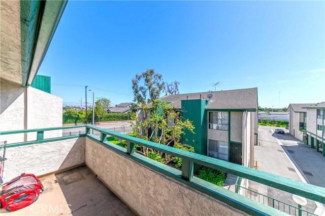15301 Santa Gertrudes Avenue, La Mirada CA: http://media.crmls.org/medias/0960c369-ac93-45c0-9bb3-d6a08aa84f93.jpg