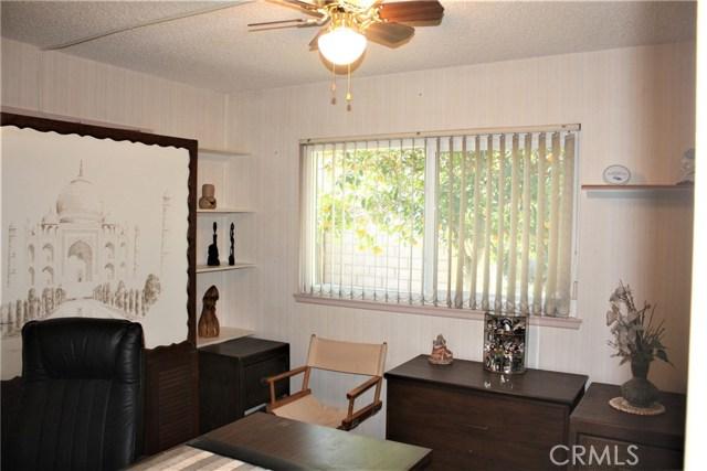 5980 Kitty Hawk Drive, Riverside CA: http://media.crmls.org/medias/09618d0f-5dbc-47f9-a5fb-c8ec05e9758d.jpg