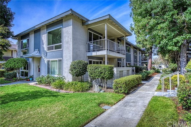Photo of 213 Avenida Majorca #B, Laguna Woods, CA 92637
