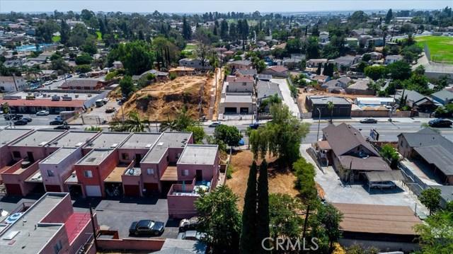 4033 E Cesar E Chavez Avenue, East Los Angeles CA: http://media.crmls.org/medias/0988e9b1-e86b-489b-8e21-ee1068bb7730.jpg