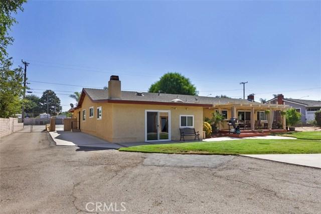 16275 Porter Avenue, Riverside CA: http://media.crmls.org/medias/0990ae0e-1dc7-4a44-a69f-e5a261ef340c.jpg