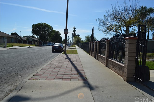 25474 Gentian Avenue, Moreno Valley CA: http://media.crmls.org/medias/0995d85f-8a3d-4eda-94a5-9a01c0907973.jpg