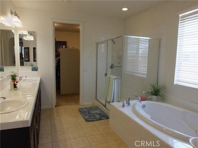 42548 37th W Street, Lancaster CA: http://media.crmls.org/medias/0996a52b-5486-45b8-bc38-254cbbaa8be8.jpg