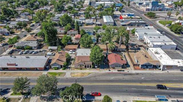 1625 E Olive Avenue, Fresno CA: http://media.crmls.org/medias/09a09df0-b52d-4176-9d68-fadbc3a43225.jpg