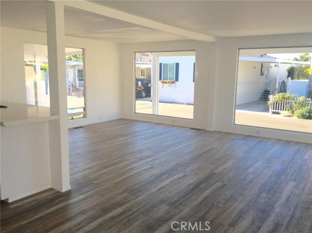 242 Lexington Circle, Newport Beach CA: http://media.crmls.org/medias/09a7d631-2e31-46a7-9204-24beb5990d8e.jpg