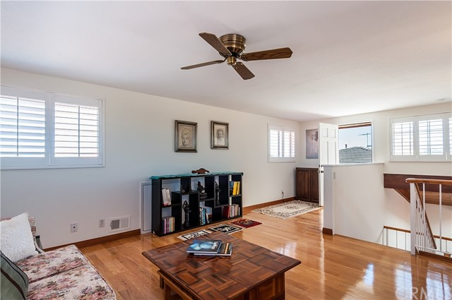 1521 Curtis Avenue Manhattan Beach, CA 90266 - MLS #: SB17140364