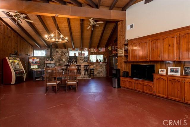 40370 Road 222, Bass Lake CA: http://media.crmls.org/medias/09a86b87-6905-4c9e-9995-dea2eccf0d17.jpg