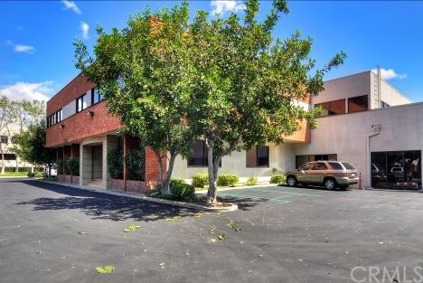 17782 Cowan Irvine, CA 92614 is listed for sale as MLS Listing OC18006333