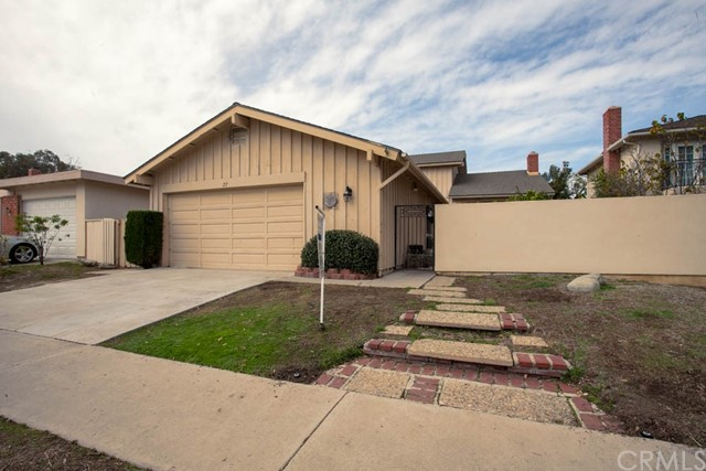 27 Gillman Street , CA 92612 is listed for sale as MLS Listing OC18033205