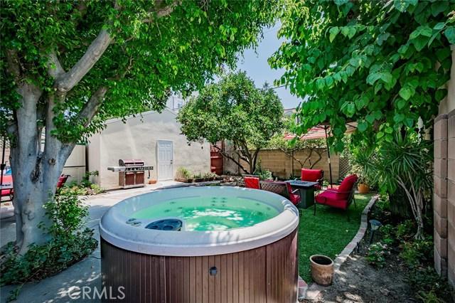 11956 Martha Street, Valley Village CA: http://media.crmls.org/medias/09be0050-b26e-40af-bd1a-028712e0466b.jpg