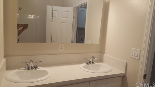 320 W 52nd Place Los Angeles, CA 90037 - MLS #: RS18032066