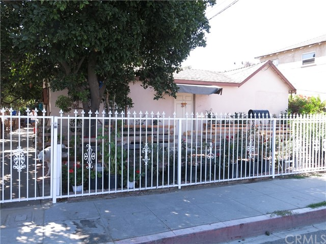 Triplex for Sale at 210 E Elm Street 210 E Elm Street Compton, California 90220 United States