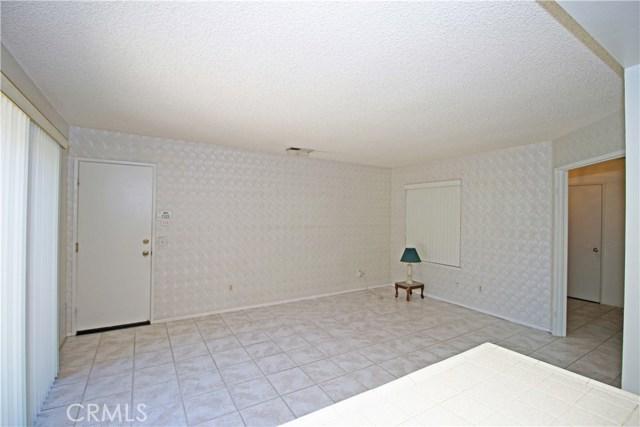 2235 SHERIDAN RD, San Bernardino CA: http://media.crmls.org/medias/09df6165-9088-4652-8a38-8a04dbb19108.jpg
